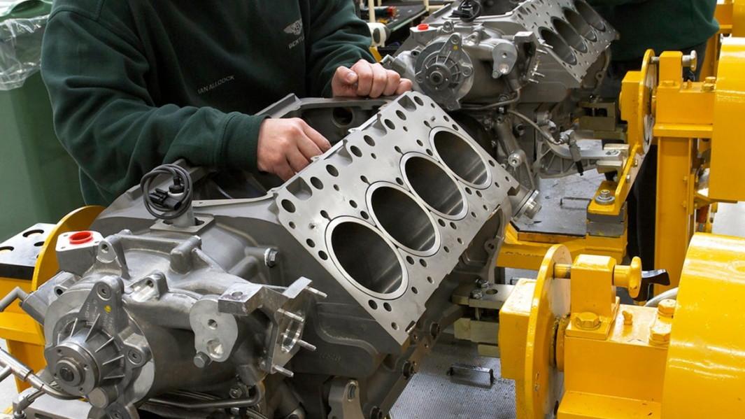 Building the 2011 Bentley Mulsanne's V-8 Engine