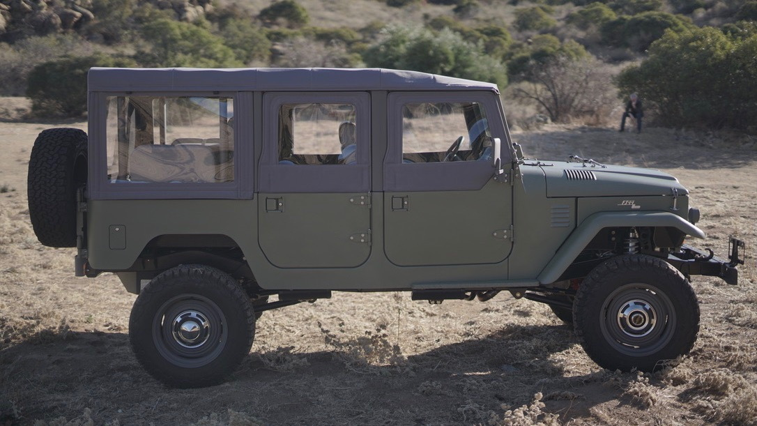 Icon Old School Edition 1972 Toyota Land Cruiser FJ44