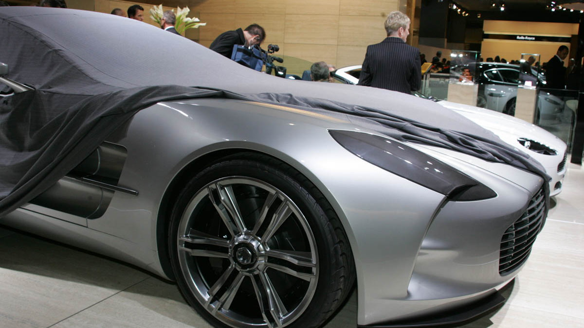 aston martin one 77 live paris 001