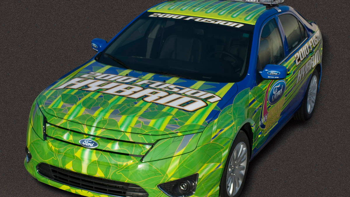 2010 ford fusion hybrid pace car 001