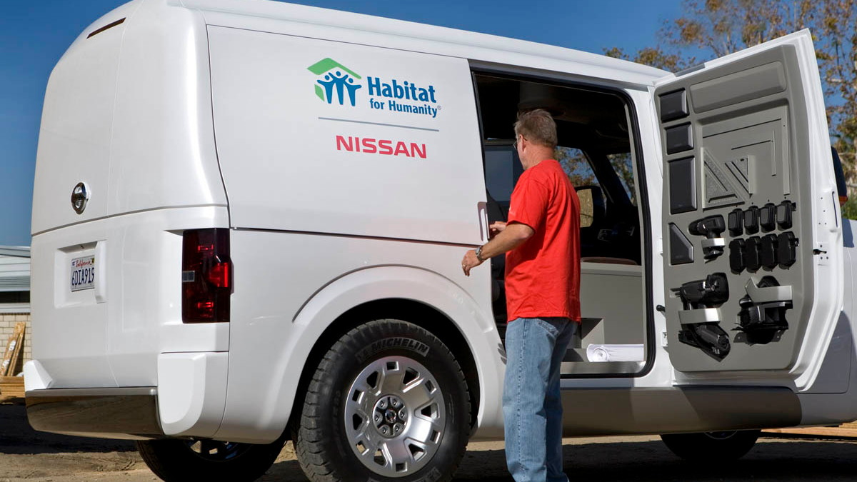 nissan nv2500 commercial ev 015