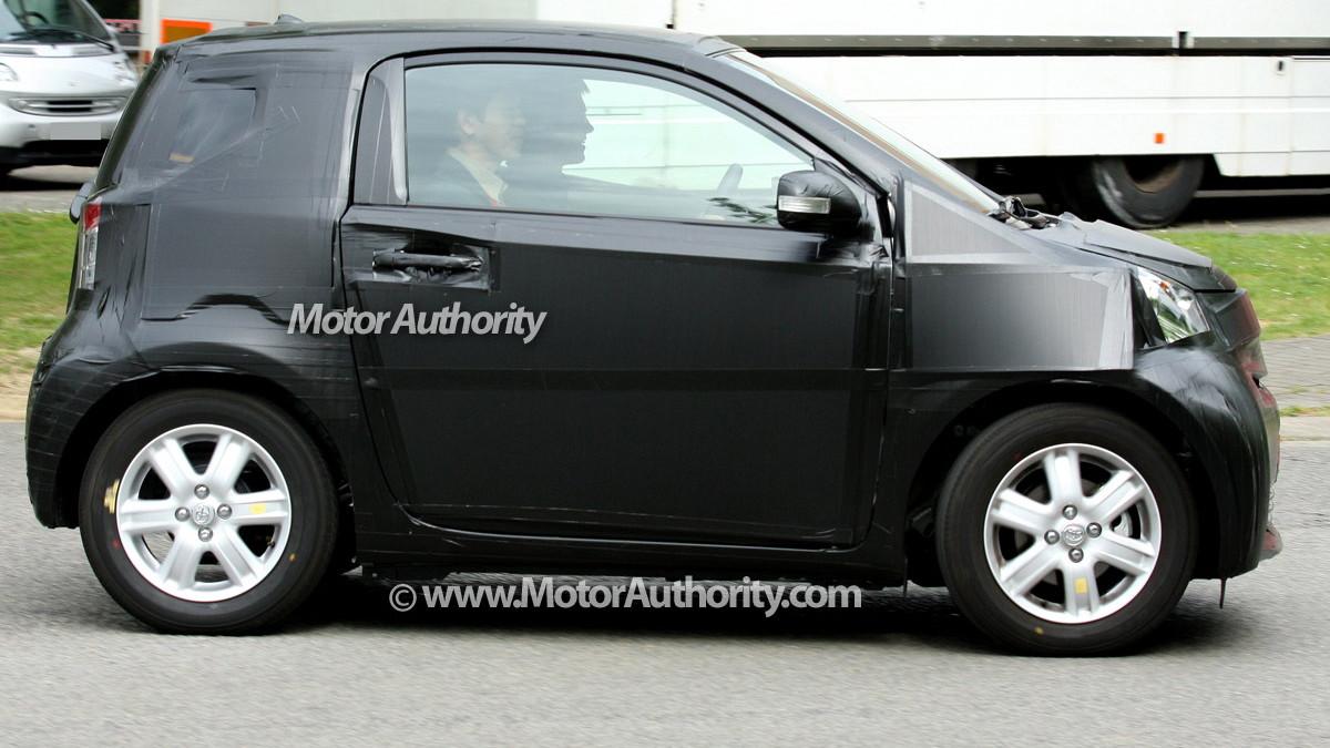 2010 toyota iq spy shots motorauthority 004
