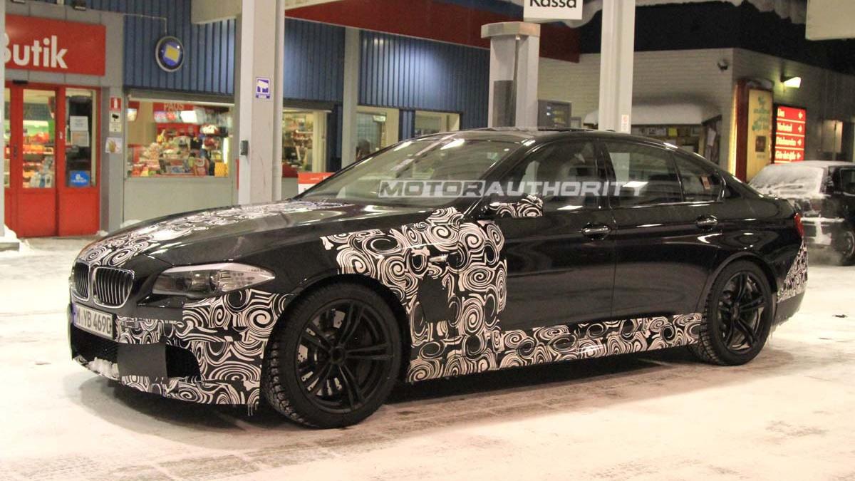 2011 BMW M5 spy shots