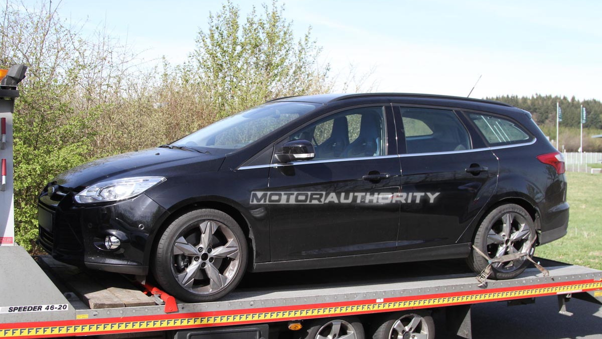 2013 Ford Focus RS Wagon (Turnier) test mule spy shots