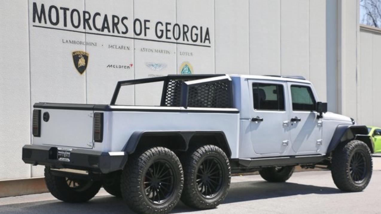 Jeep Wrangler 6x6 Boasts Hemi V 8 And Brutish Looks