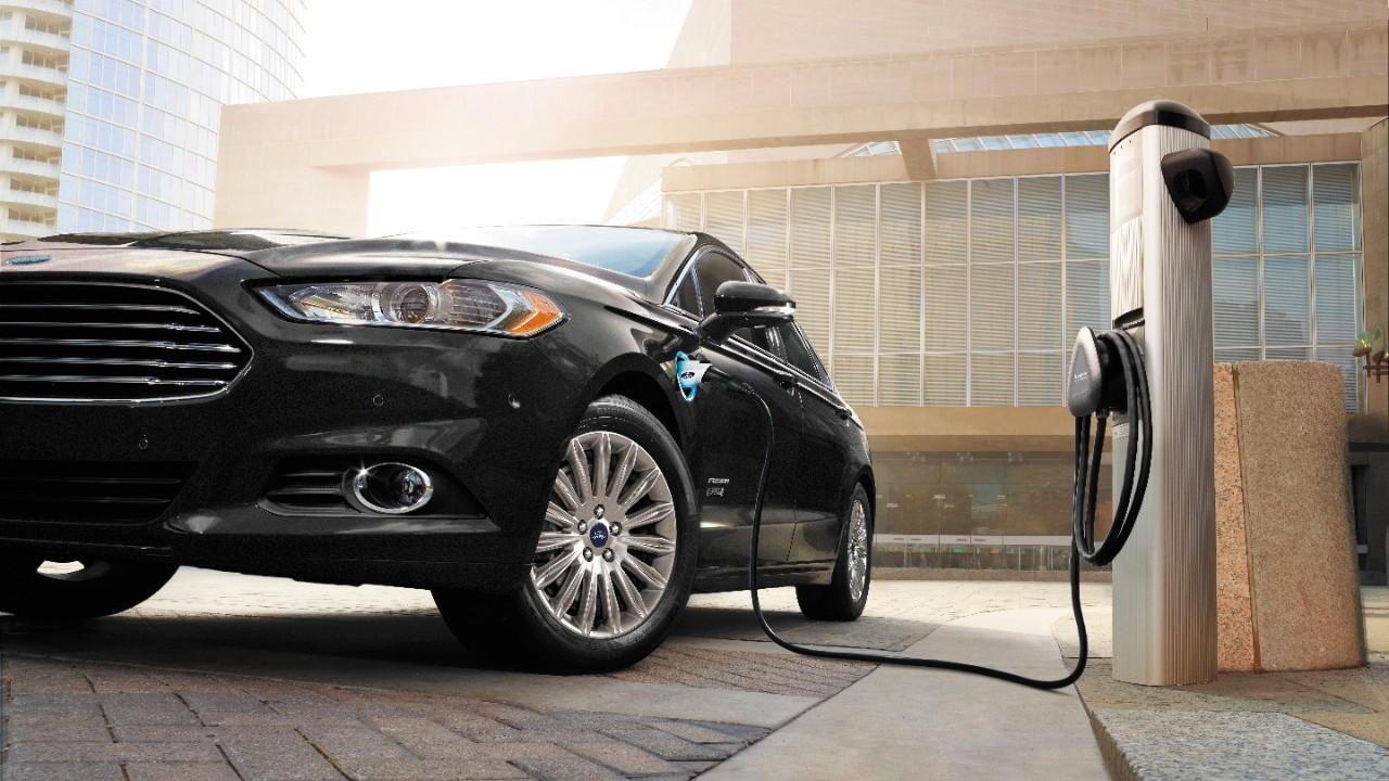 Ford Fusion Energi charging.