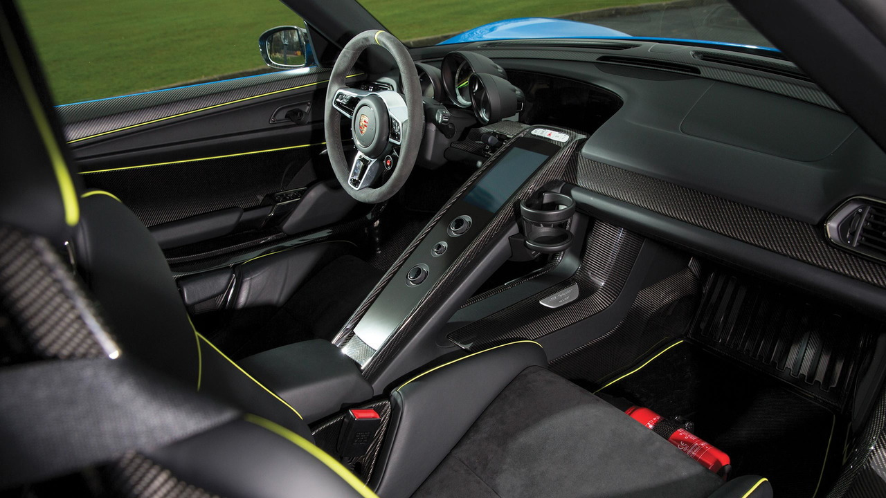 Porsche 918 Spyder up for auction