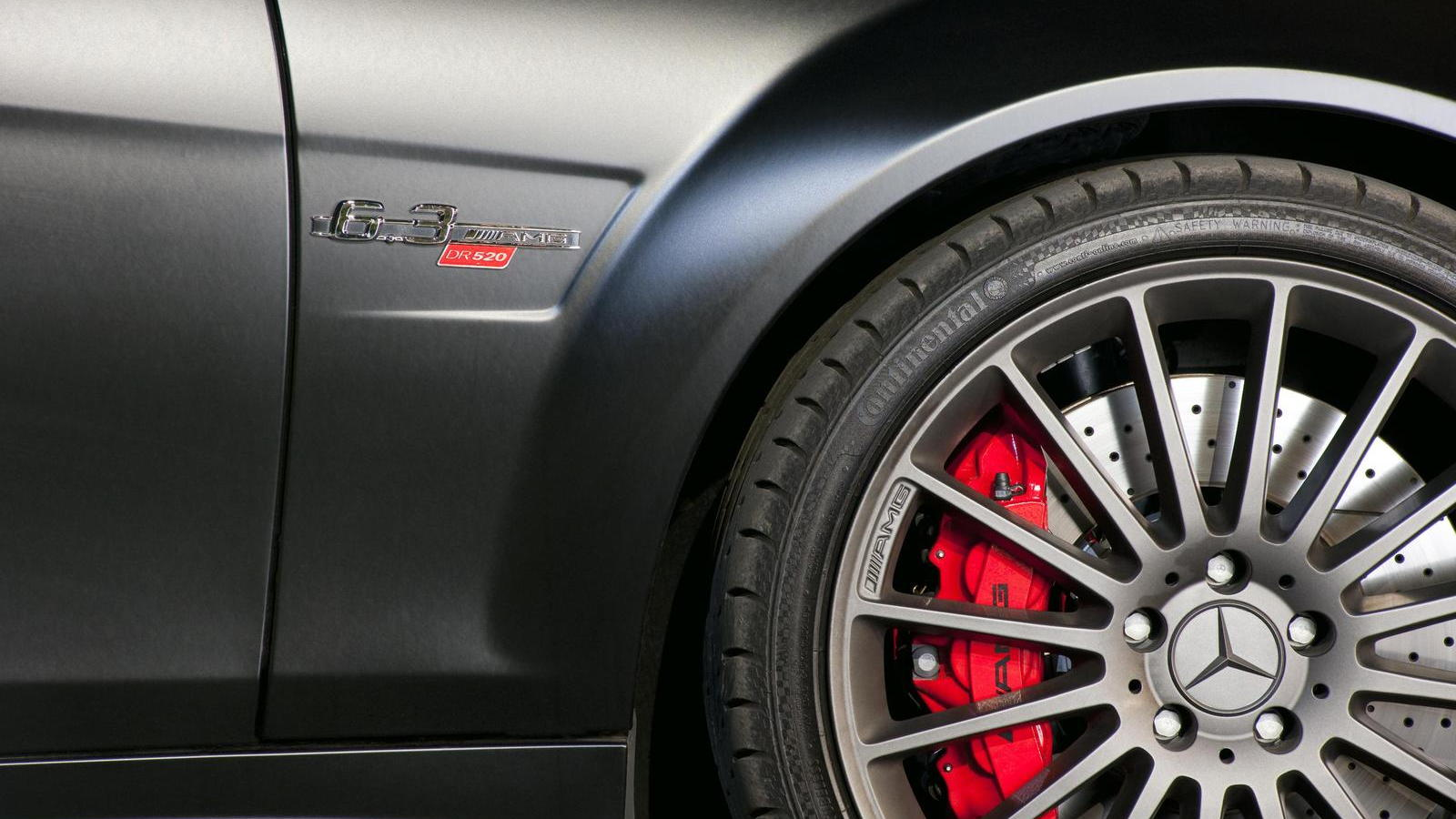 Mercedes-Benz C63 AMG DR 520
