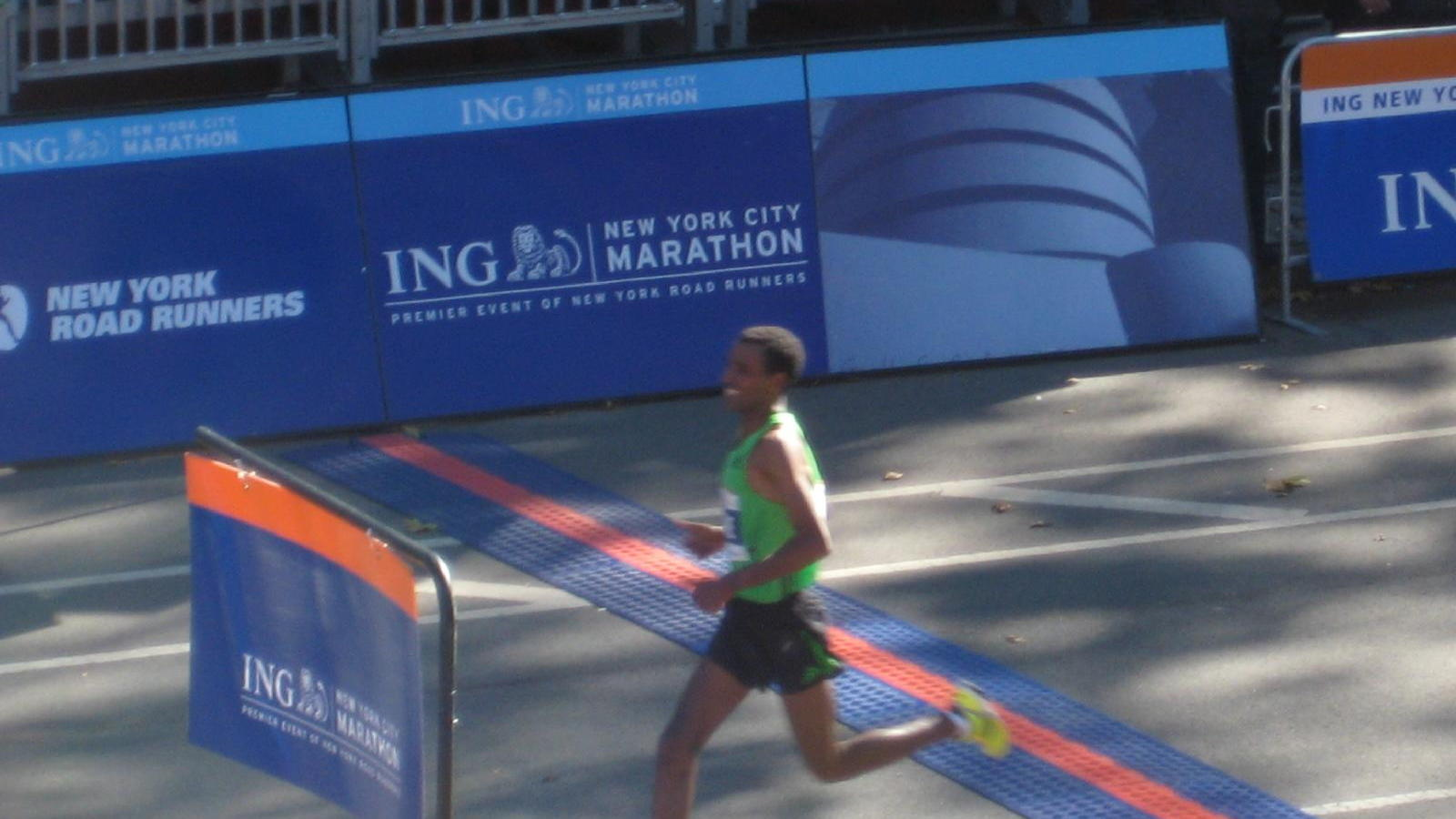 Winner Gebre Gebremariam at NYC Marathon, Oct 2010