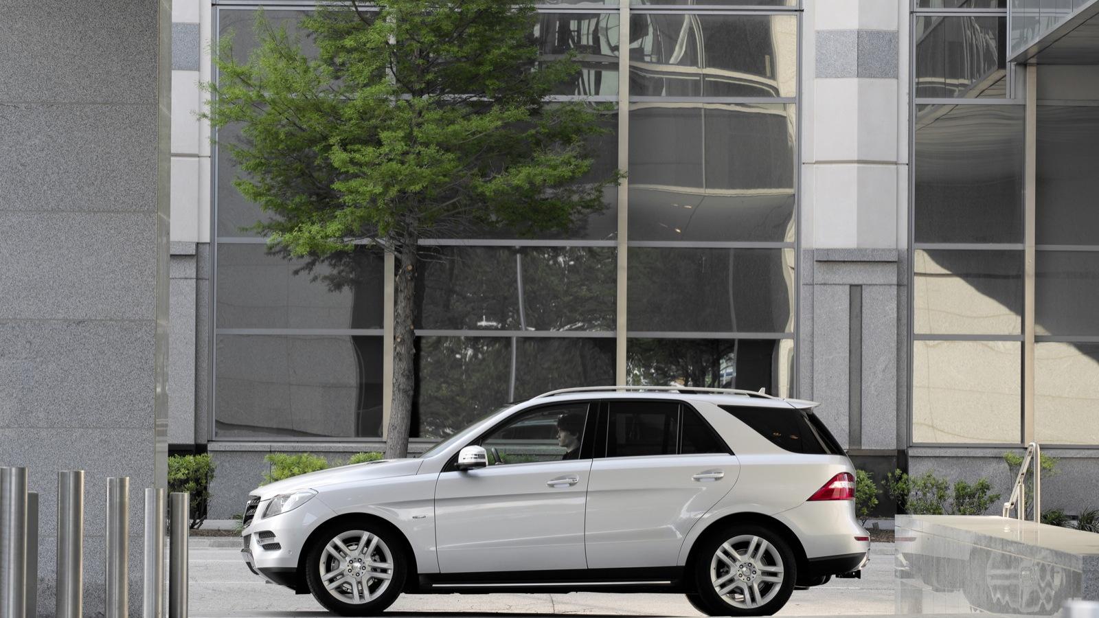 2012 Mercedes-Benz M-Class ML350 - U.S. spec