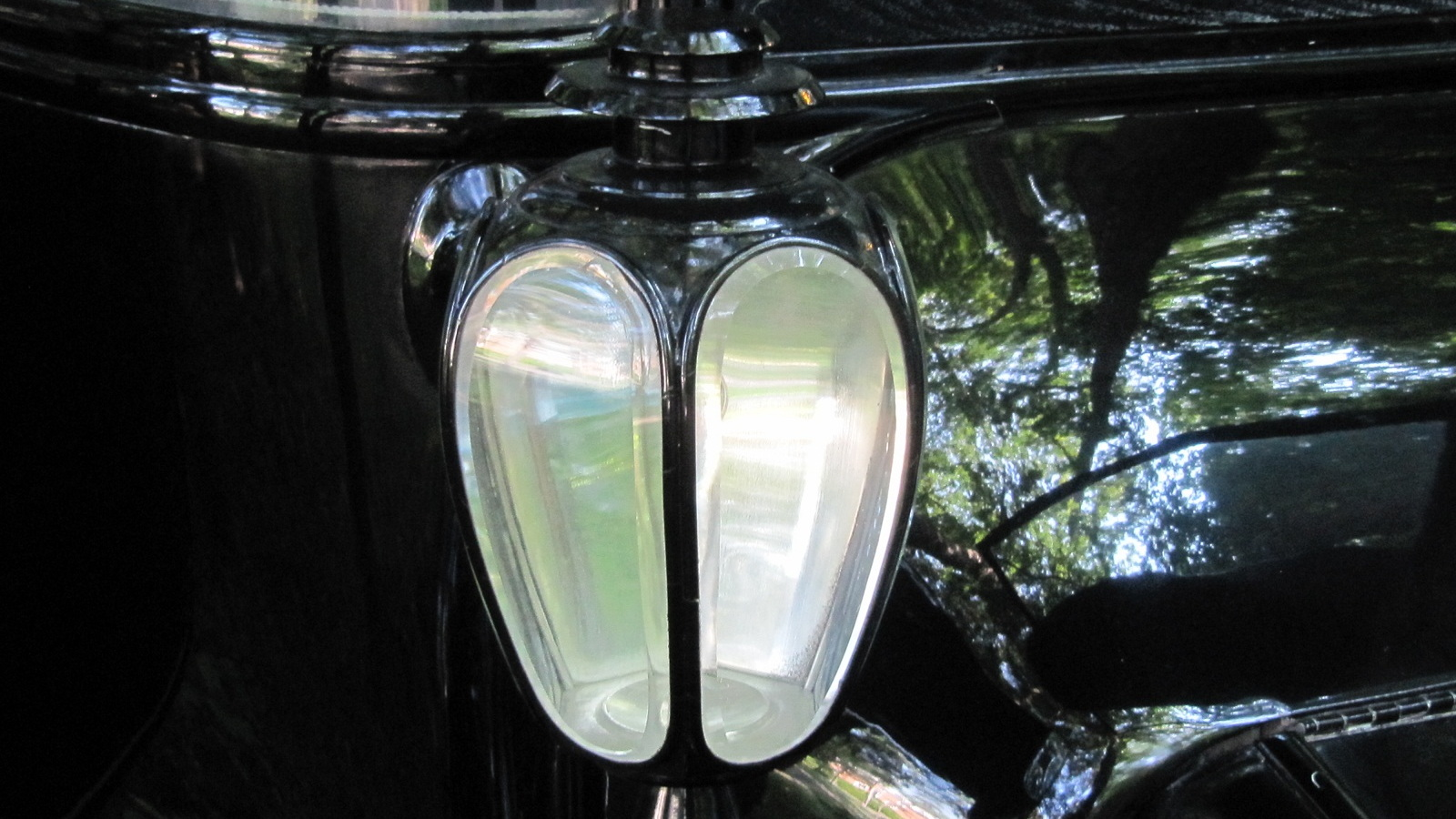 1914 Detroit Electric car, Schenectady, NY, June 2011 - carriage lamp