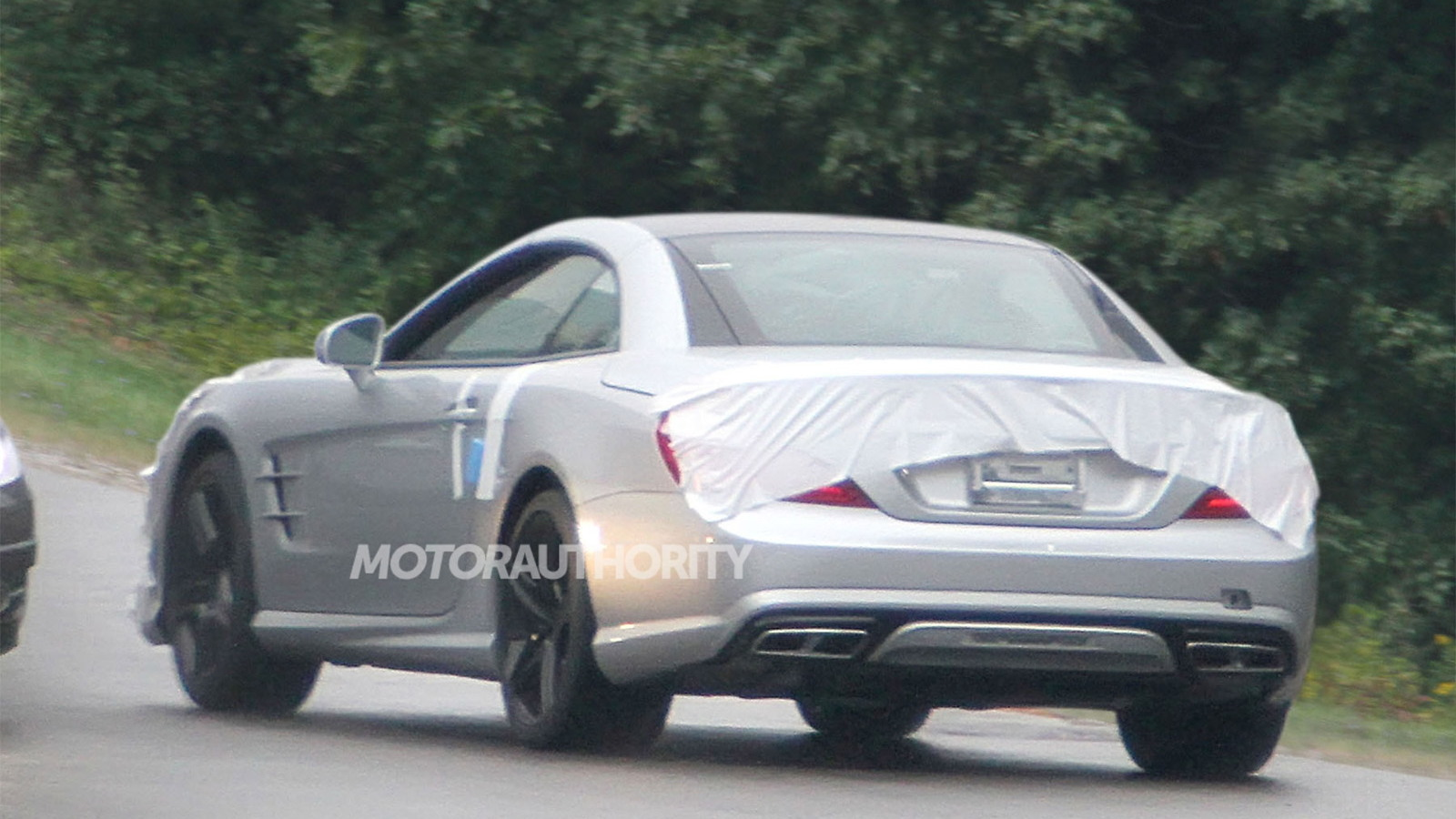 2013 Mercedes-Benz SL63 AMG spy shots