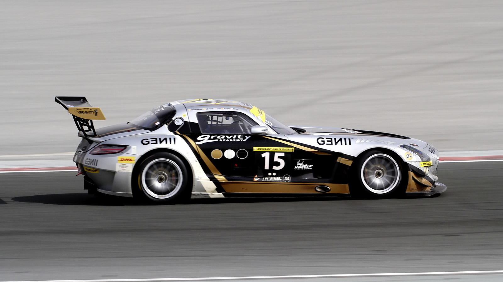 Mercedes-Benz SLS AMG GT3 at the 2012 Dubai 24 Hours race