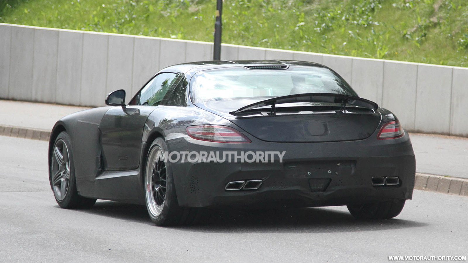 2015 Mercedes-Benz SLC AMG spy shots