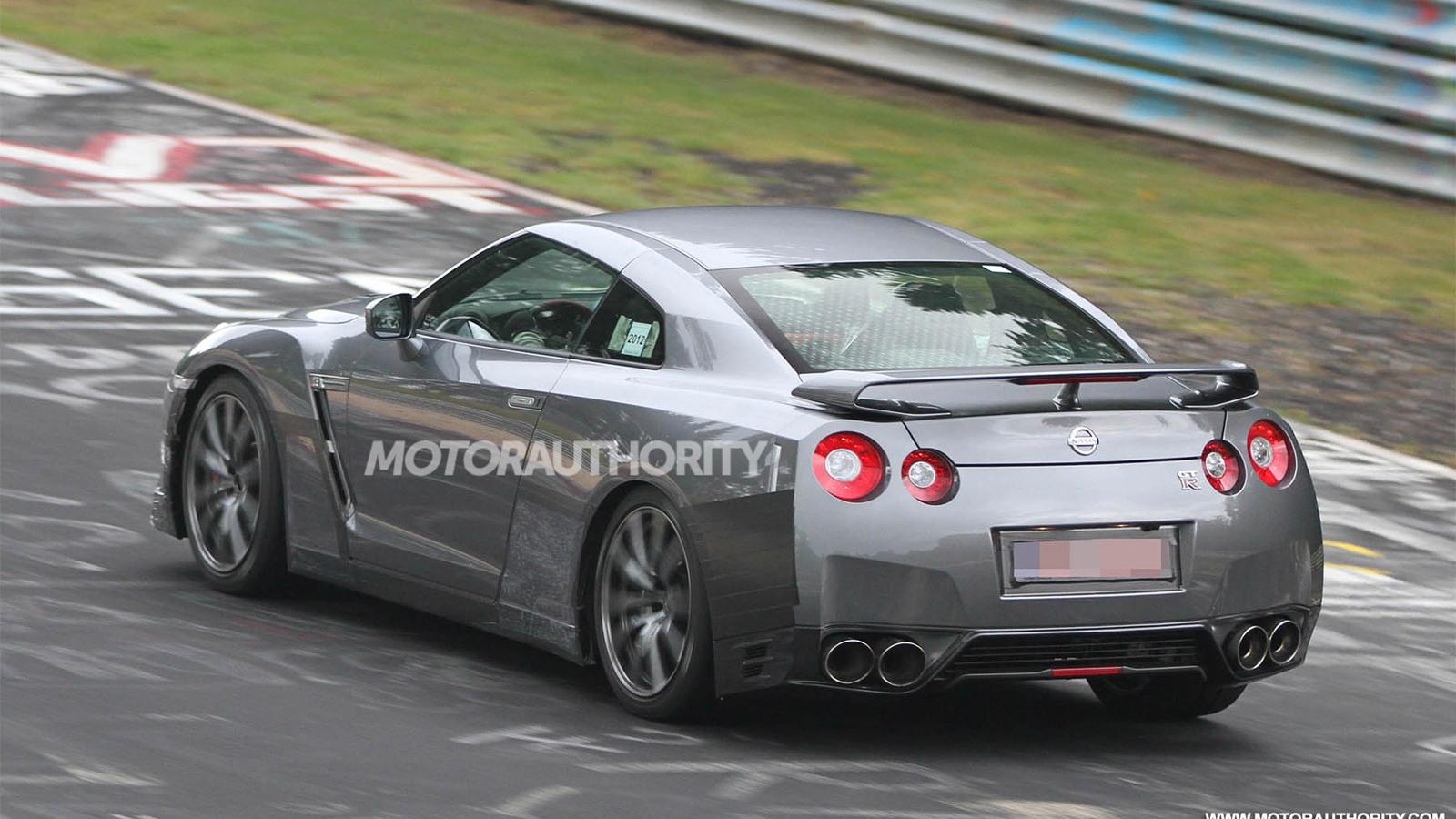 2014 Nissan GT-R spy shots