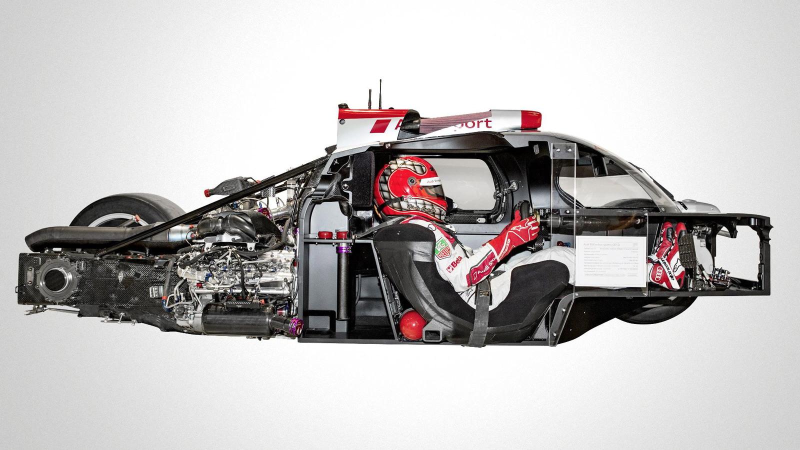 2012 Audi R18 e-tron quattro LMP1 race car