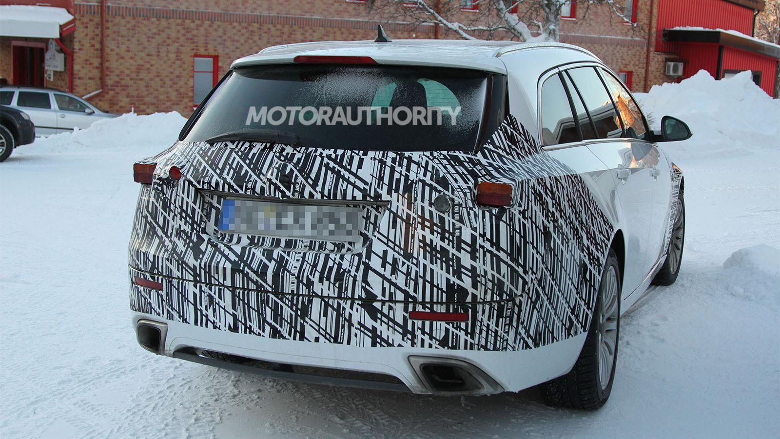 2013 Opel Insignia Sports Tourer facelift spy shots