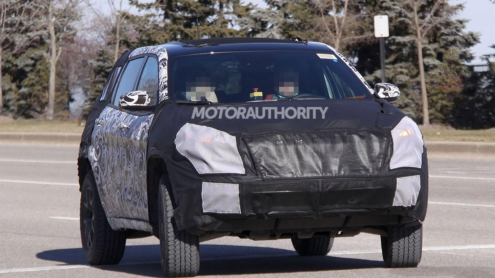 2014 Jeep Liberty spy shots
