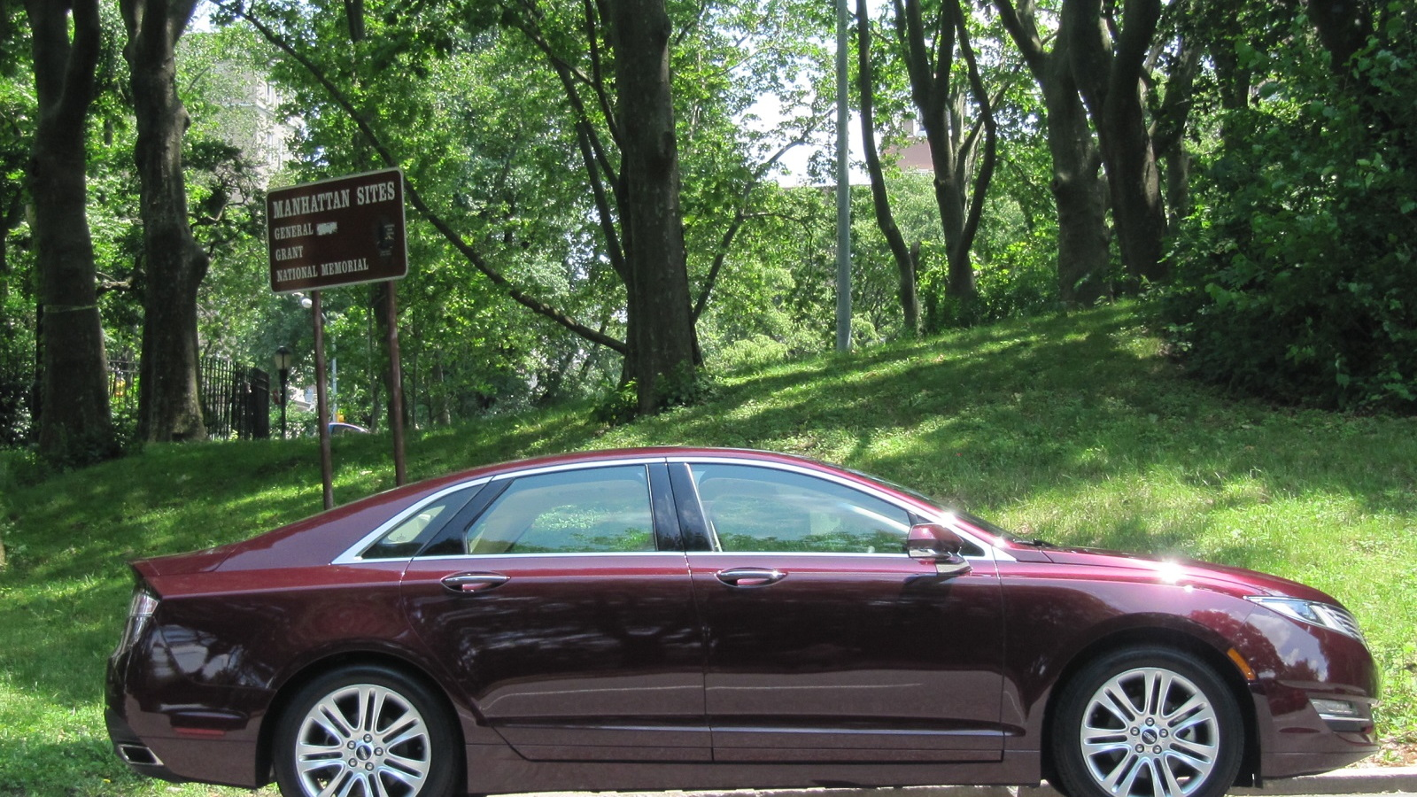 2013 Lincoln MKZ Hybrid, New York City, June 2013