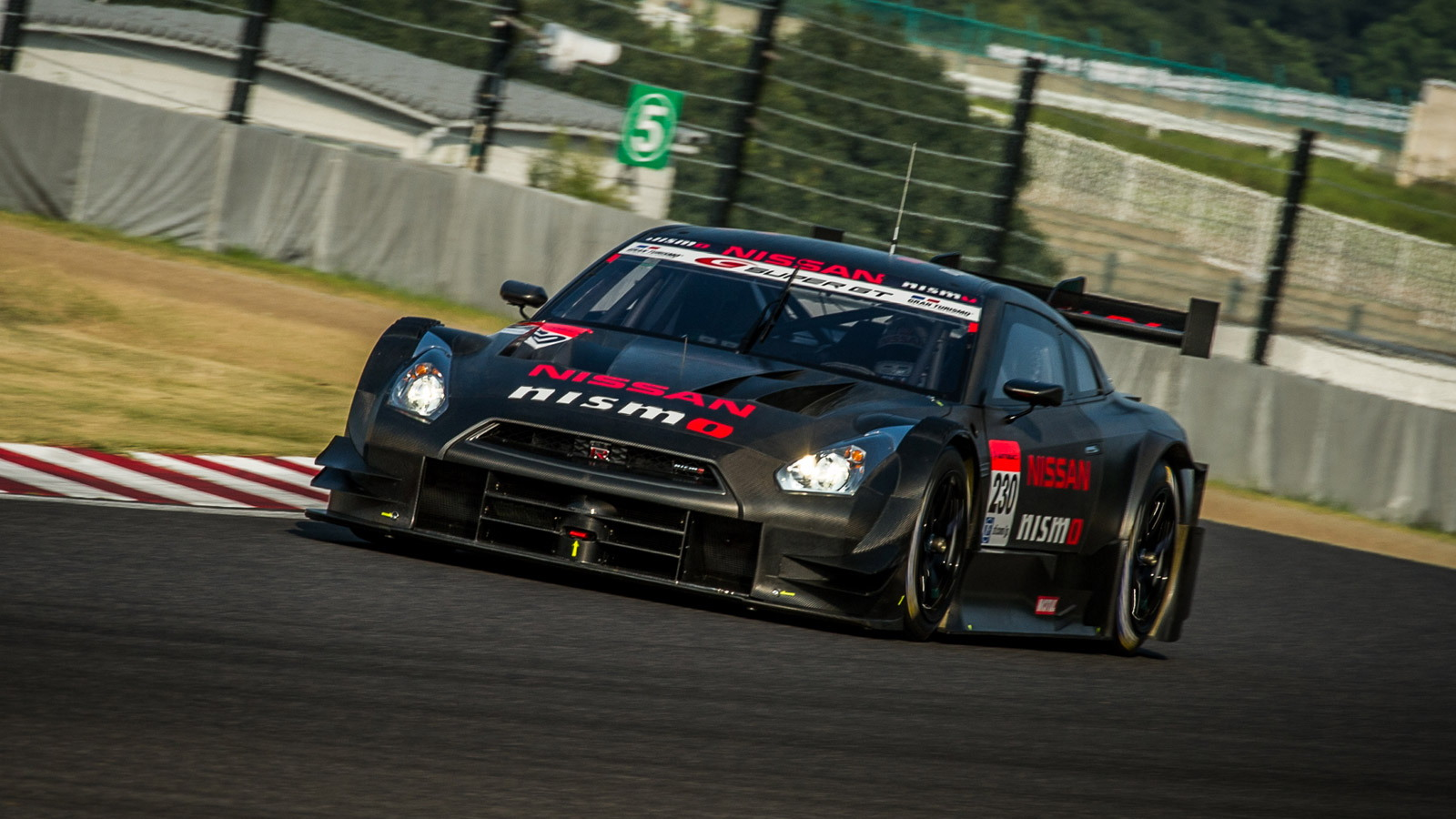 2014 Nissan GT-R NISMO GT500 Super GT race car