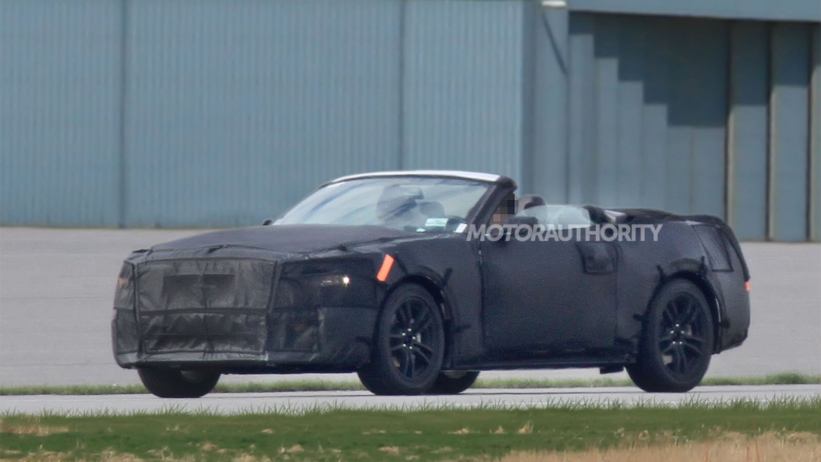 2015 Ford Mustang Convertible spy shots