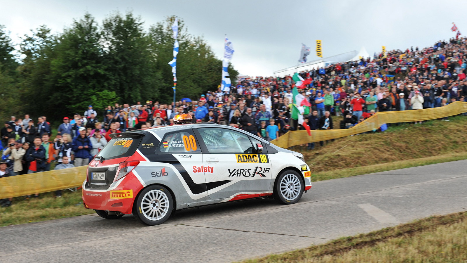 2013 Toyota Yaris R1A rally car