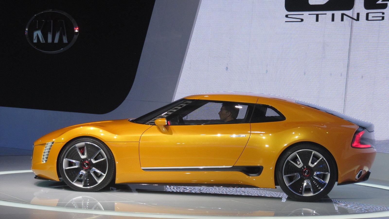 Kia GT4 Stinger Concept at 2014 Detroit Auto Show