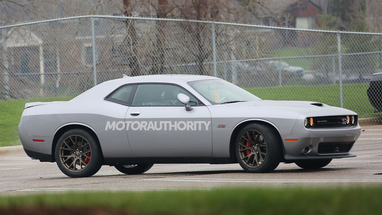2015 Dodge Challenger SRT spy shots