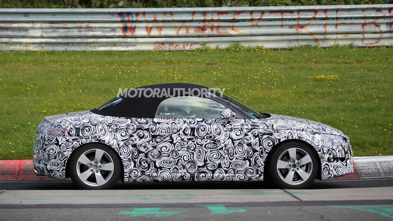 2016 Audi TT Roadster spy shots