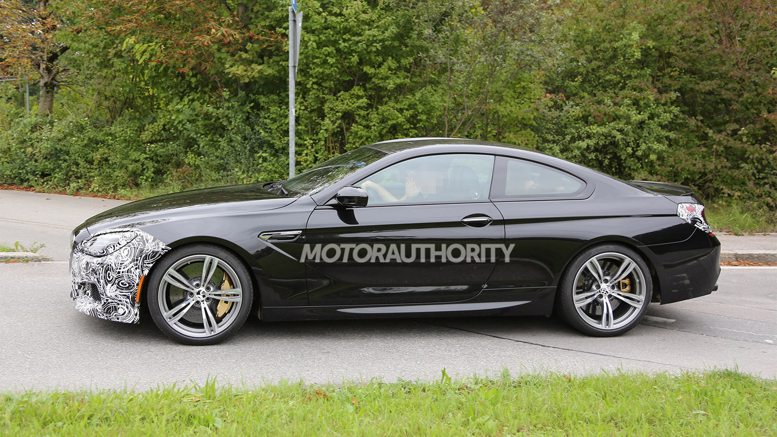 2016 BMW M6 facelift spy shots