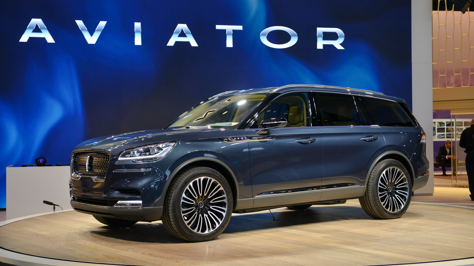 Lincoln Suv 2018 >> 2019 Lincoln Aviator Crossover To Include Plug In Hybrid Version