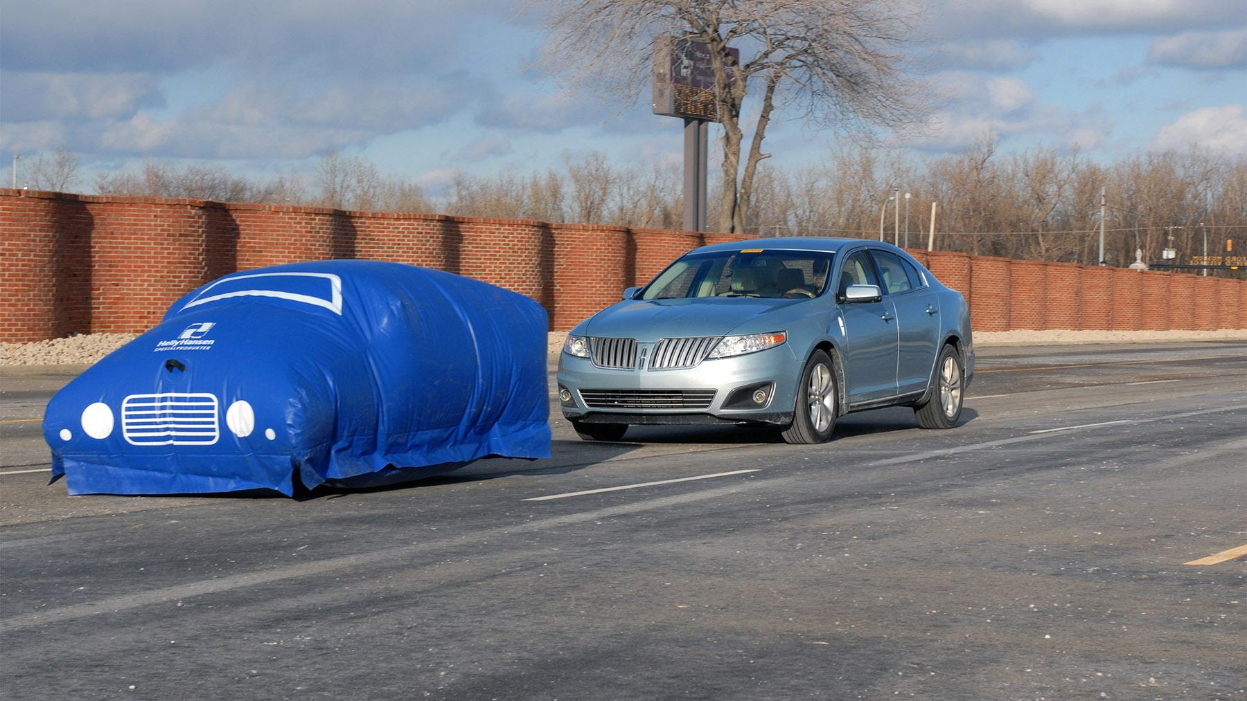 ford balloon crash test 001