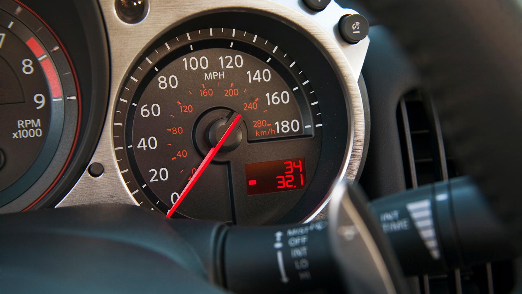 2010 nissan 370z roadster 019