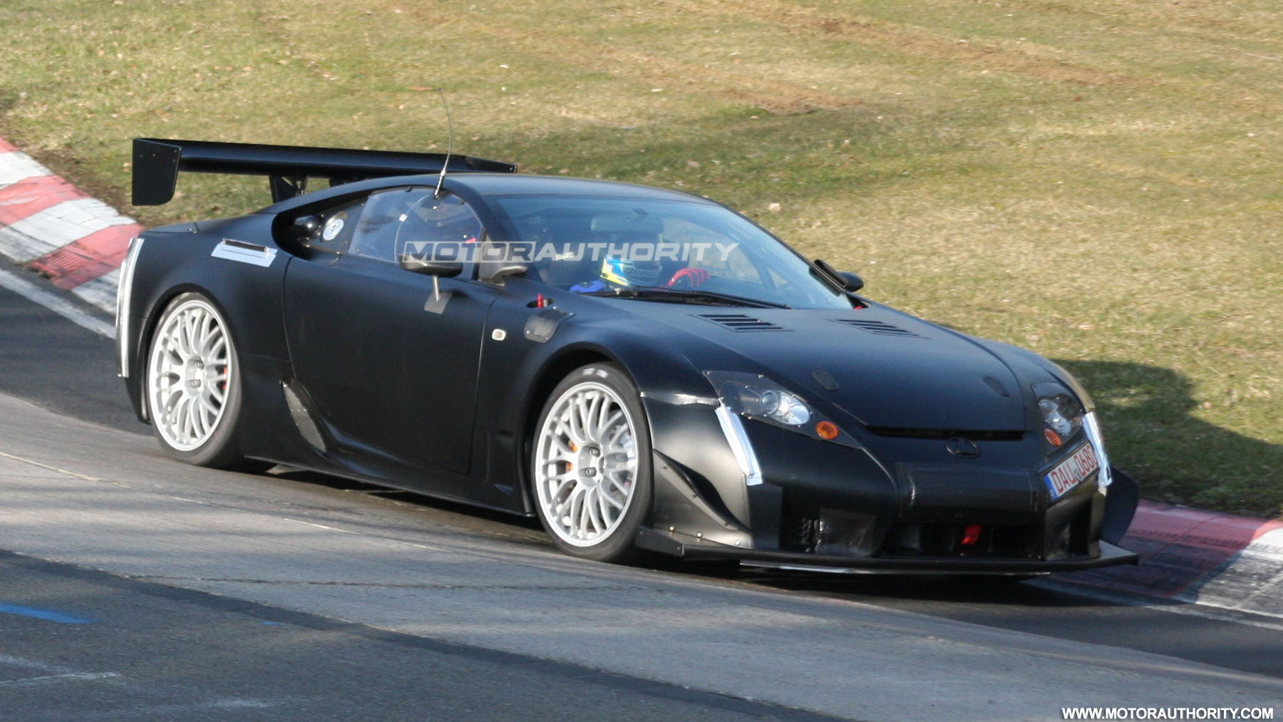 2011 lexus lfa spy shots april 003
