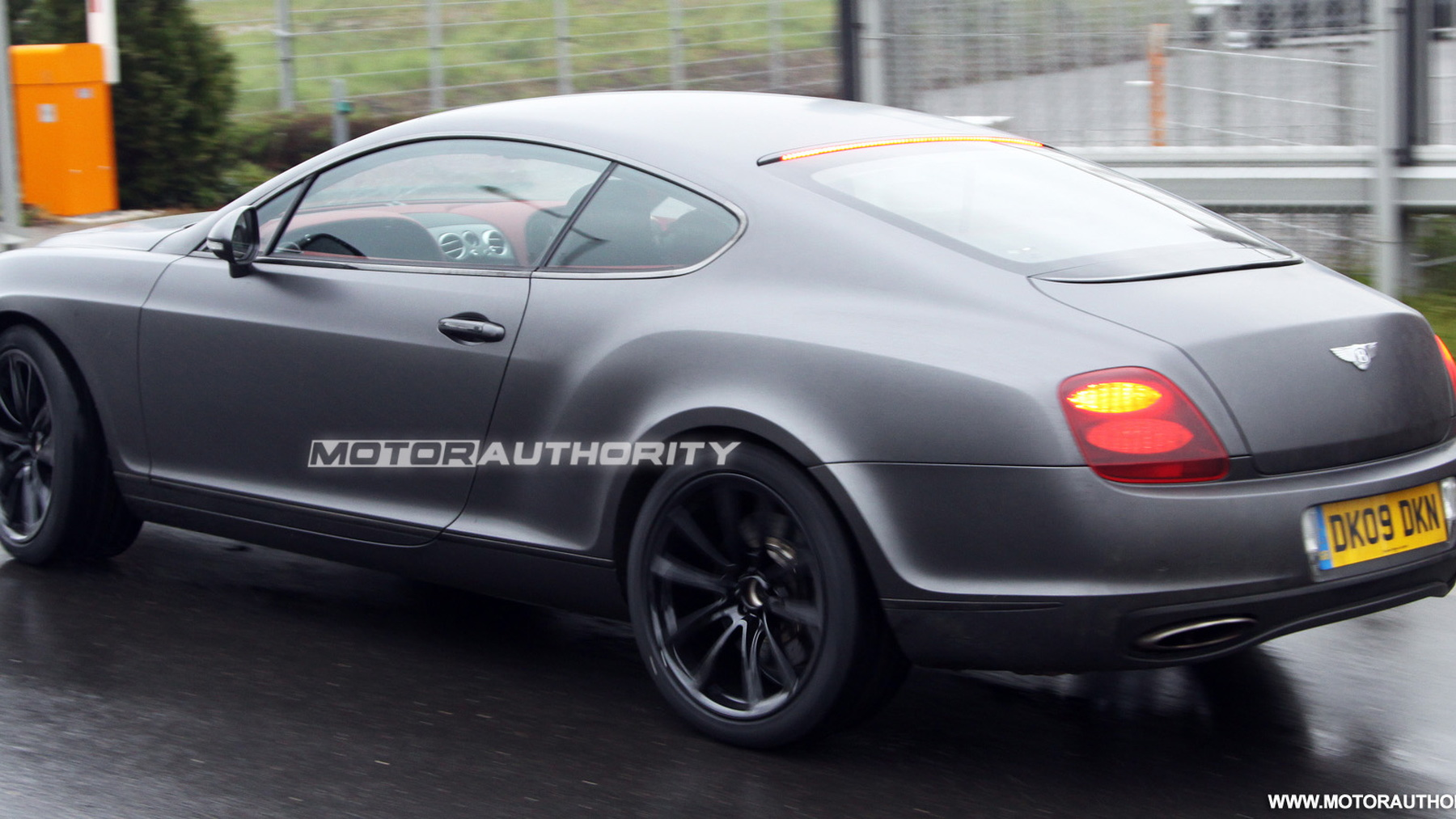 2010 bentey continental supersports spy shots may 005