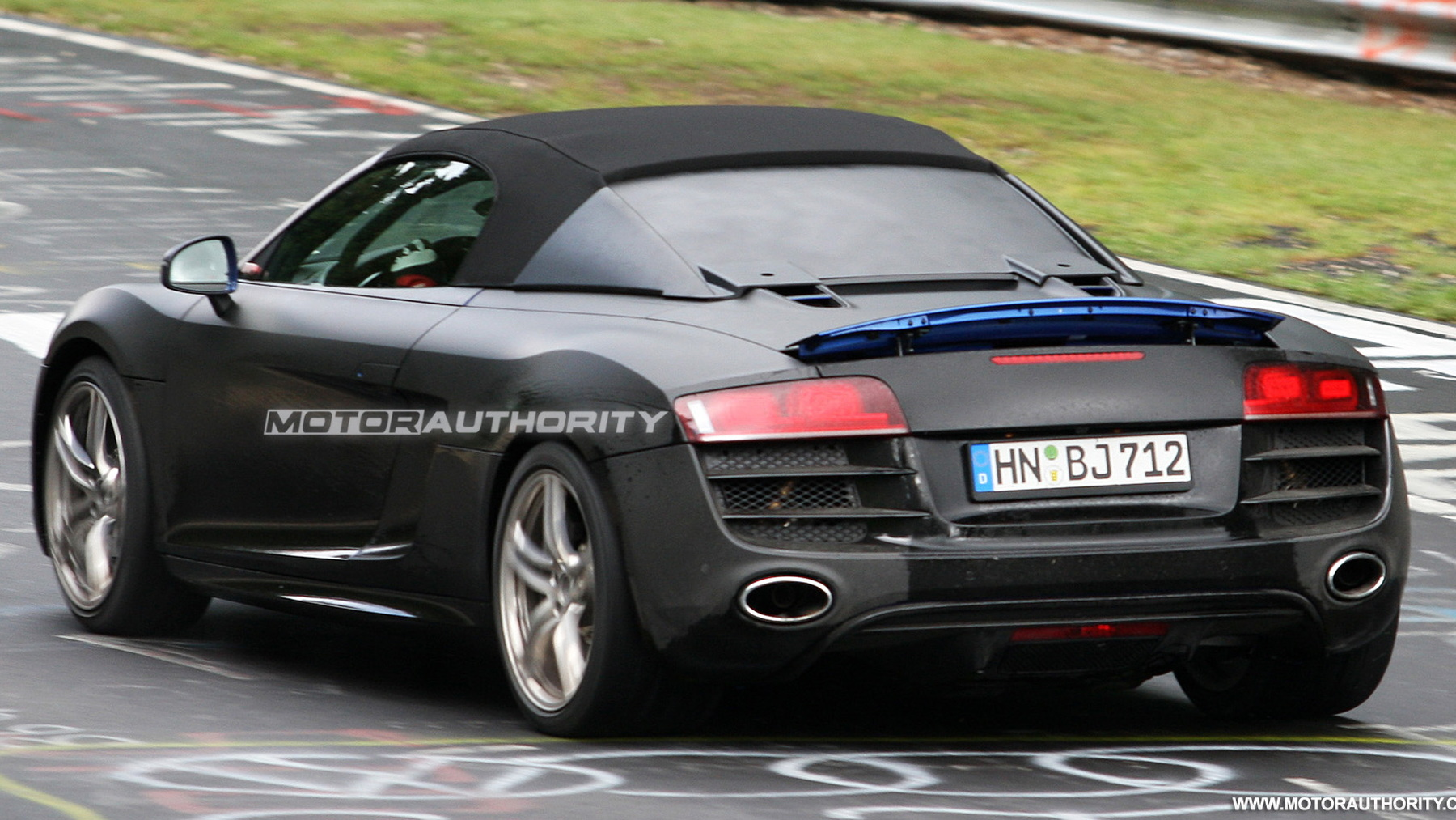 2011 audi r8 spyder spy shots june 011