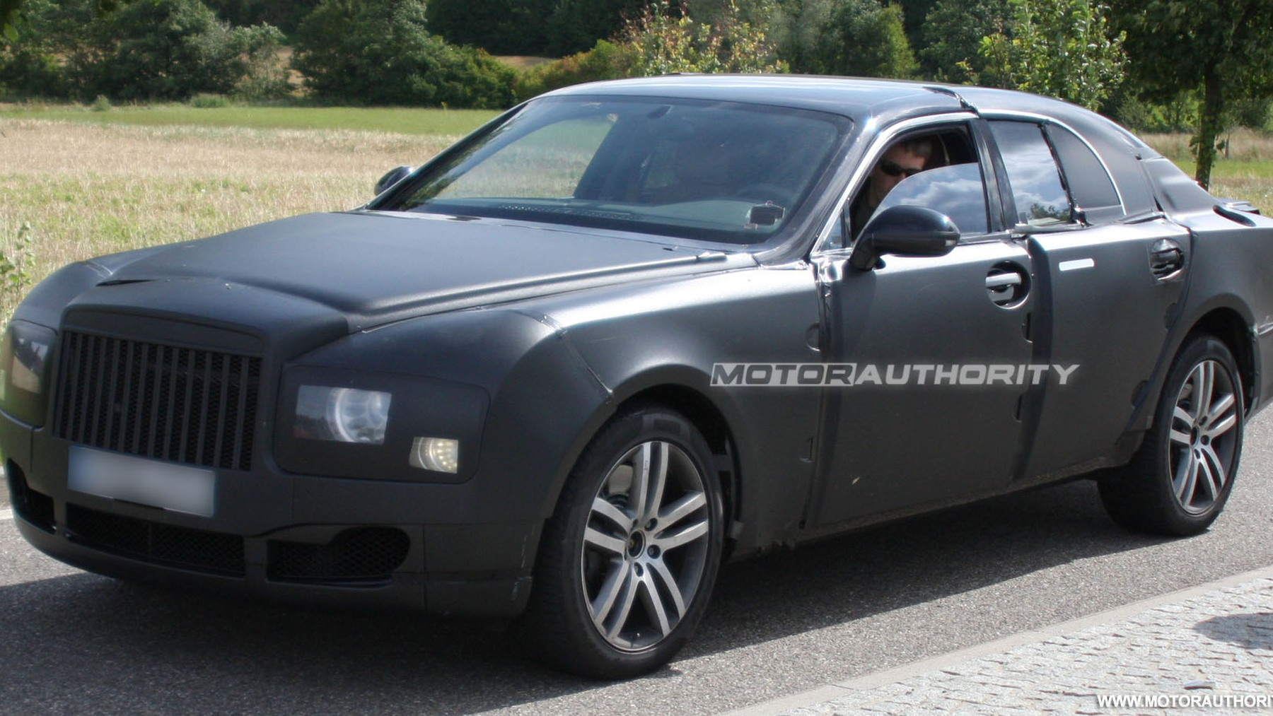 2010 grand bentley arnage replacement spy shots july 002