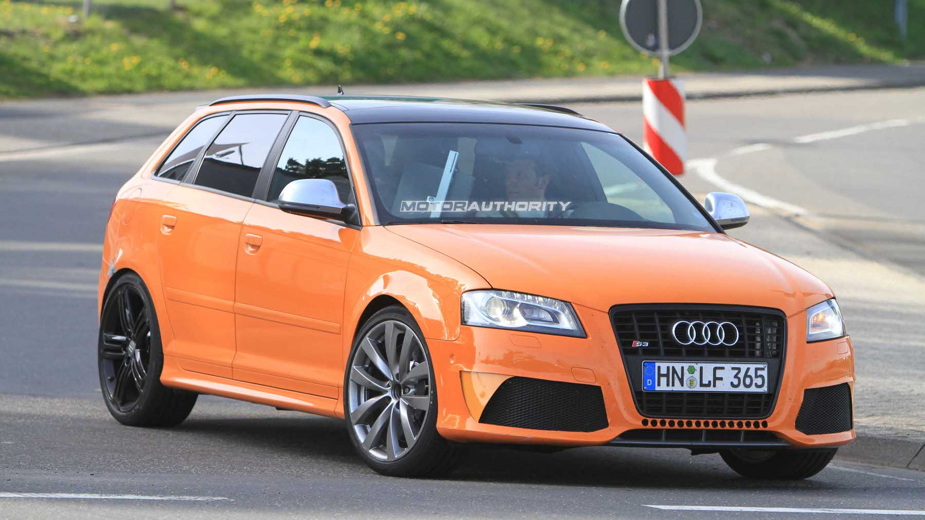 2011 Audi RS3 test mule spy shots