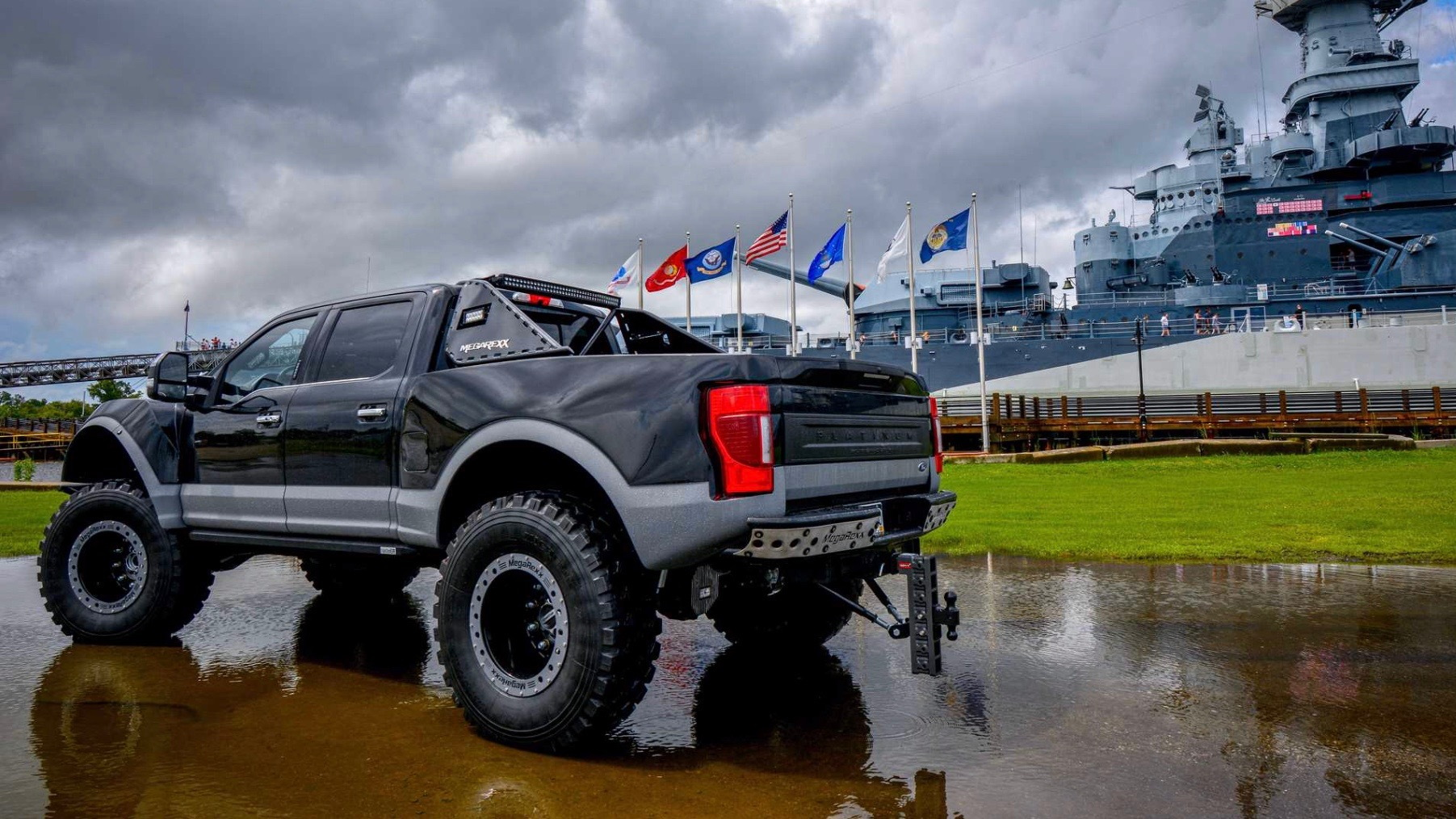 MegaRexx MegaRaptor Ford Super Duty F-250