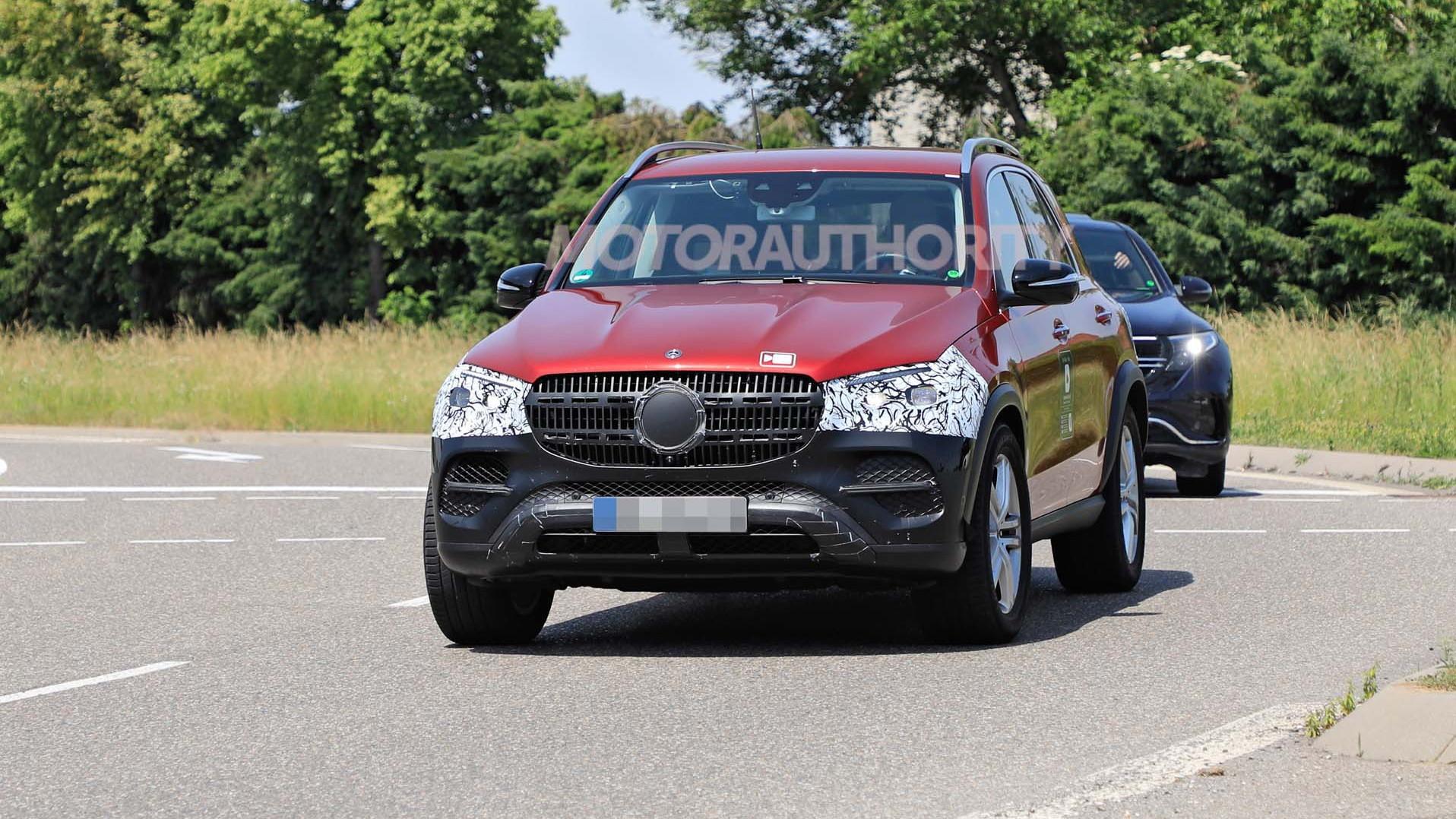 2022 Mercedes-Benz GLE-Class spy shots - Photo credit: S. Baldauf/SB-Medien