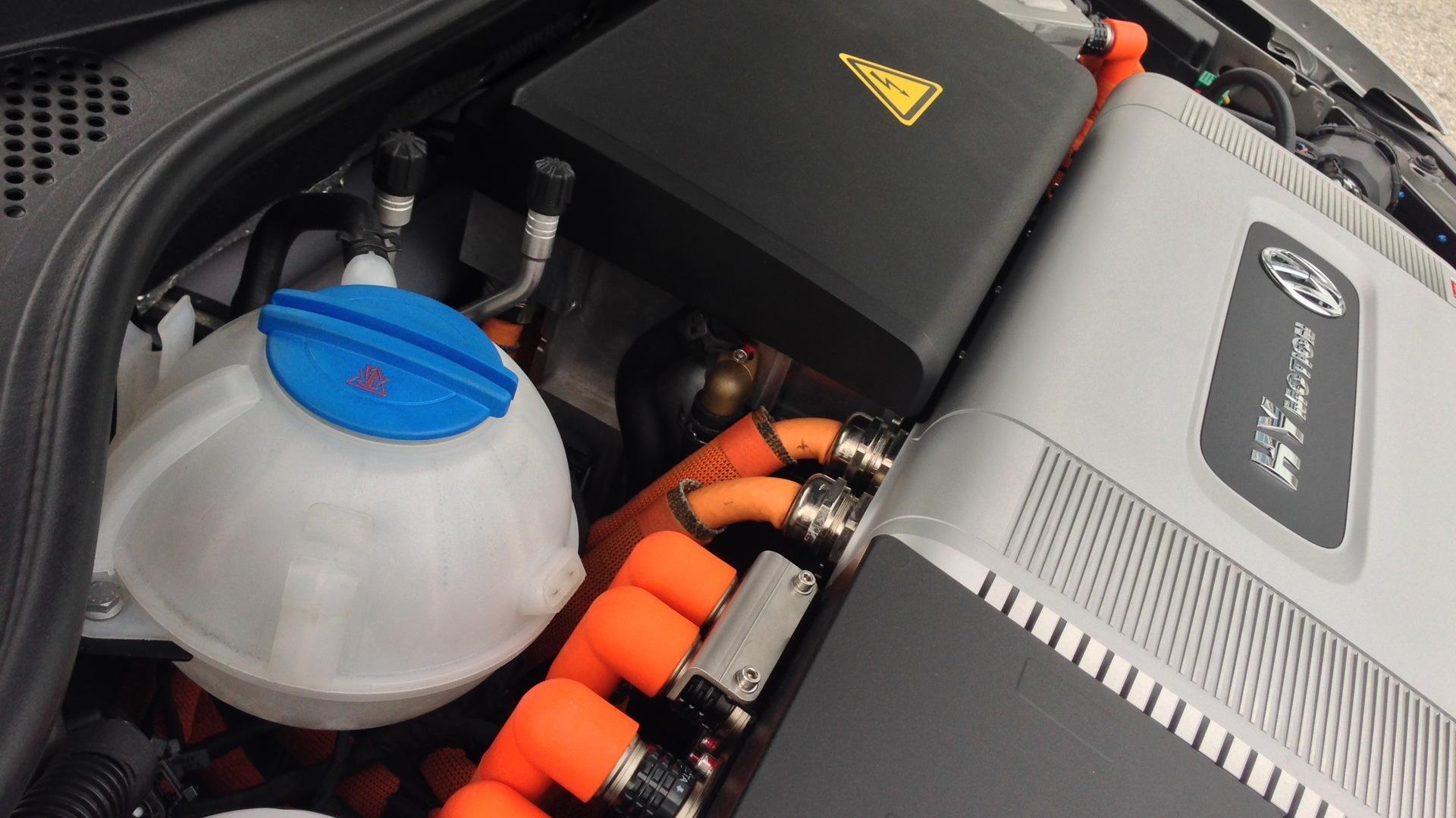 Volkswagen Passat HyMotion hydrogen fuel cell prototype  -  Los Angeles, November 2014