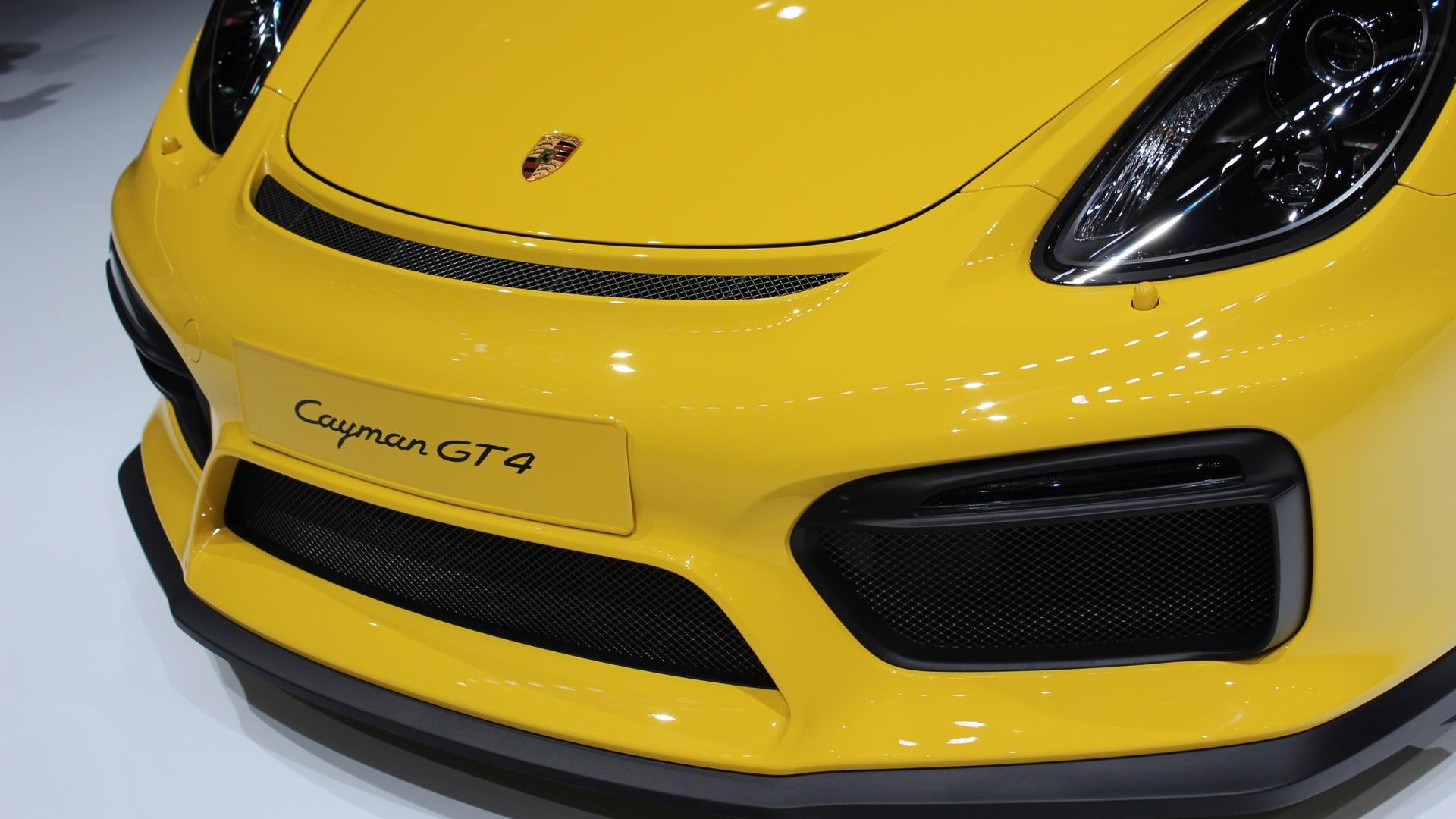 2016 Porsche Cayman GT4  -  2015 Geneva Motor Show Live Photos