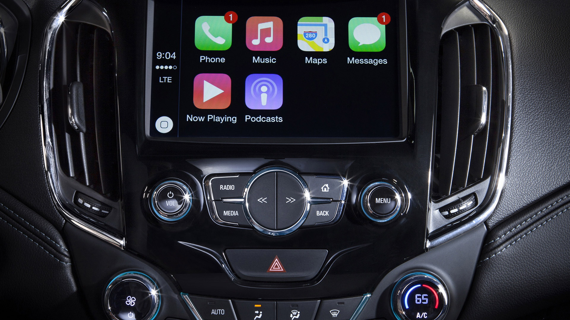 Apple CarPlay in 2016 Chevrolet Cruze