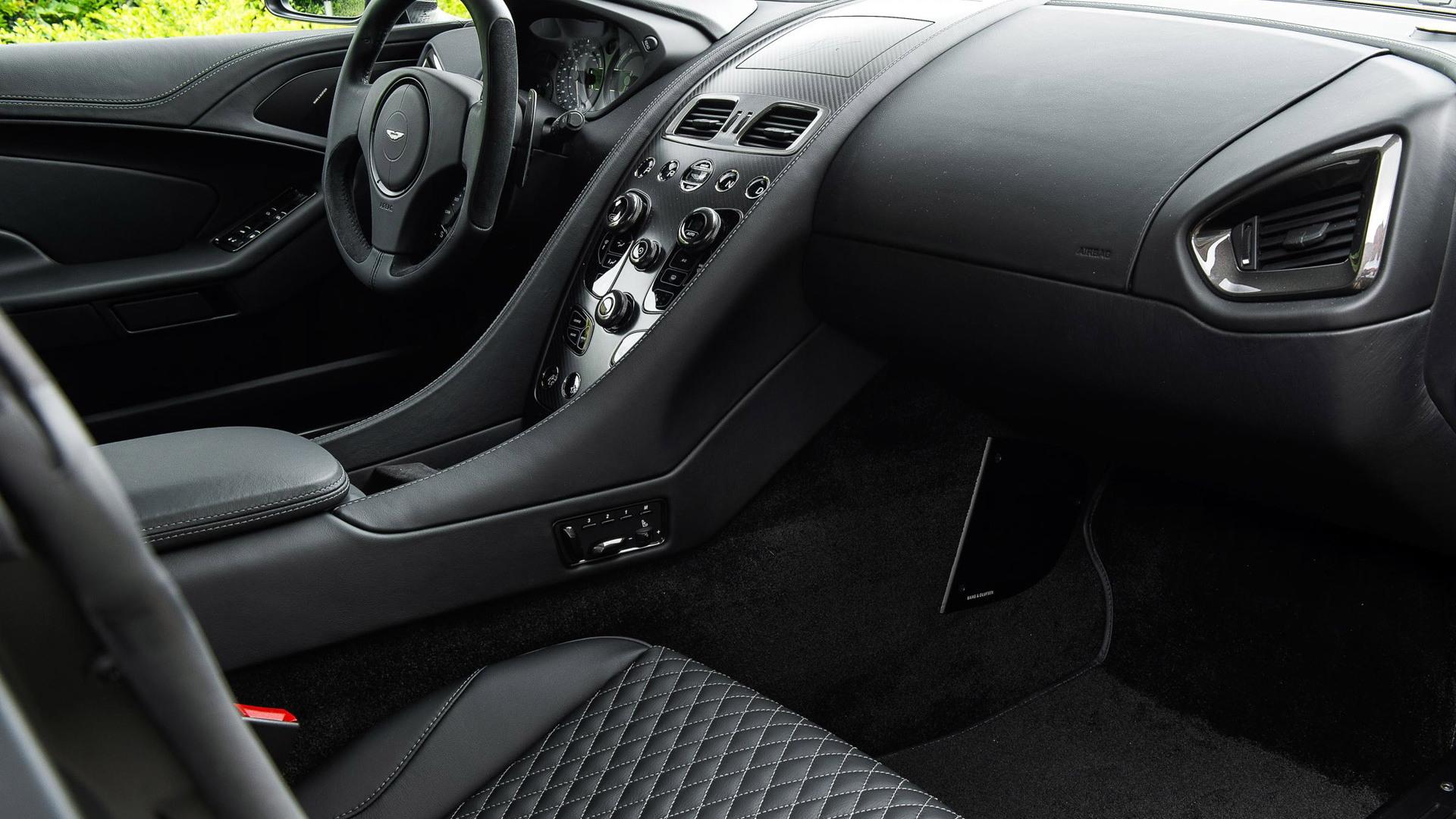 2015 Aston Martin Vanquish 'One of Seven'