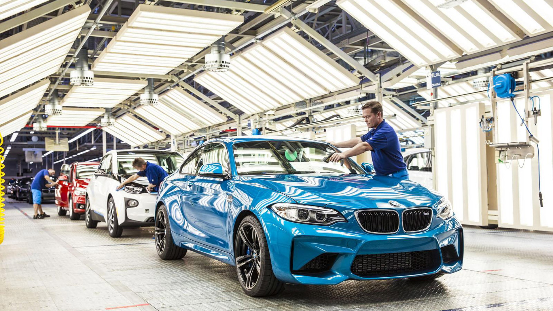 2016 BMW M2 production in Leipzig, Germany