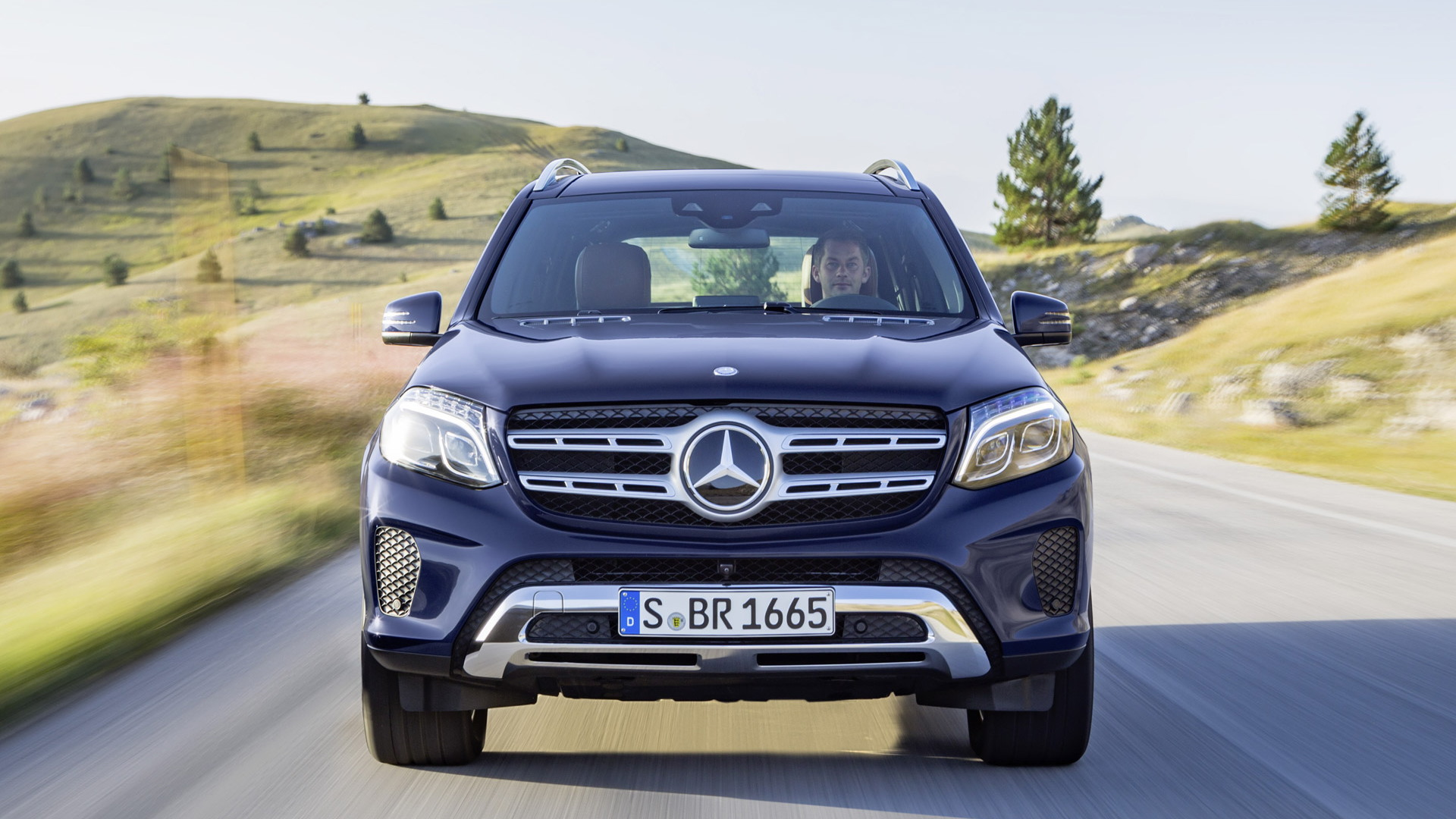 mercedes benz gl class phased out with arrival of 2017 gls. Black Bedroom Furniture Sets. Home Design Ideas