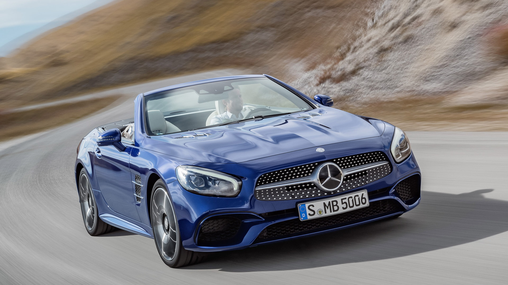 2017 Mercedes-Benz SL Leaked Ahead Of Los Angeles Auto Show
