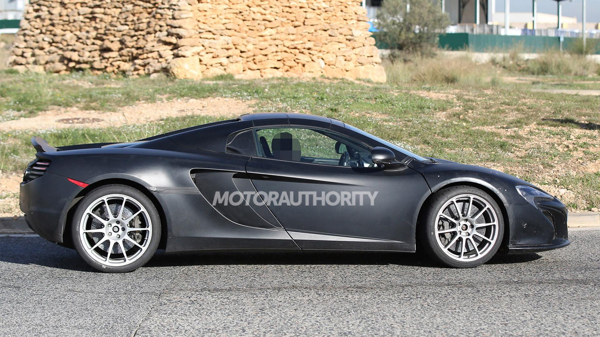 McLaren 675LT Spider test mule spy shots - Image via S. Baldauf/SB-Medien