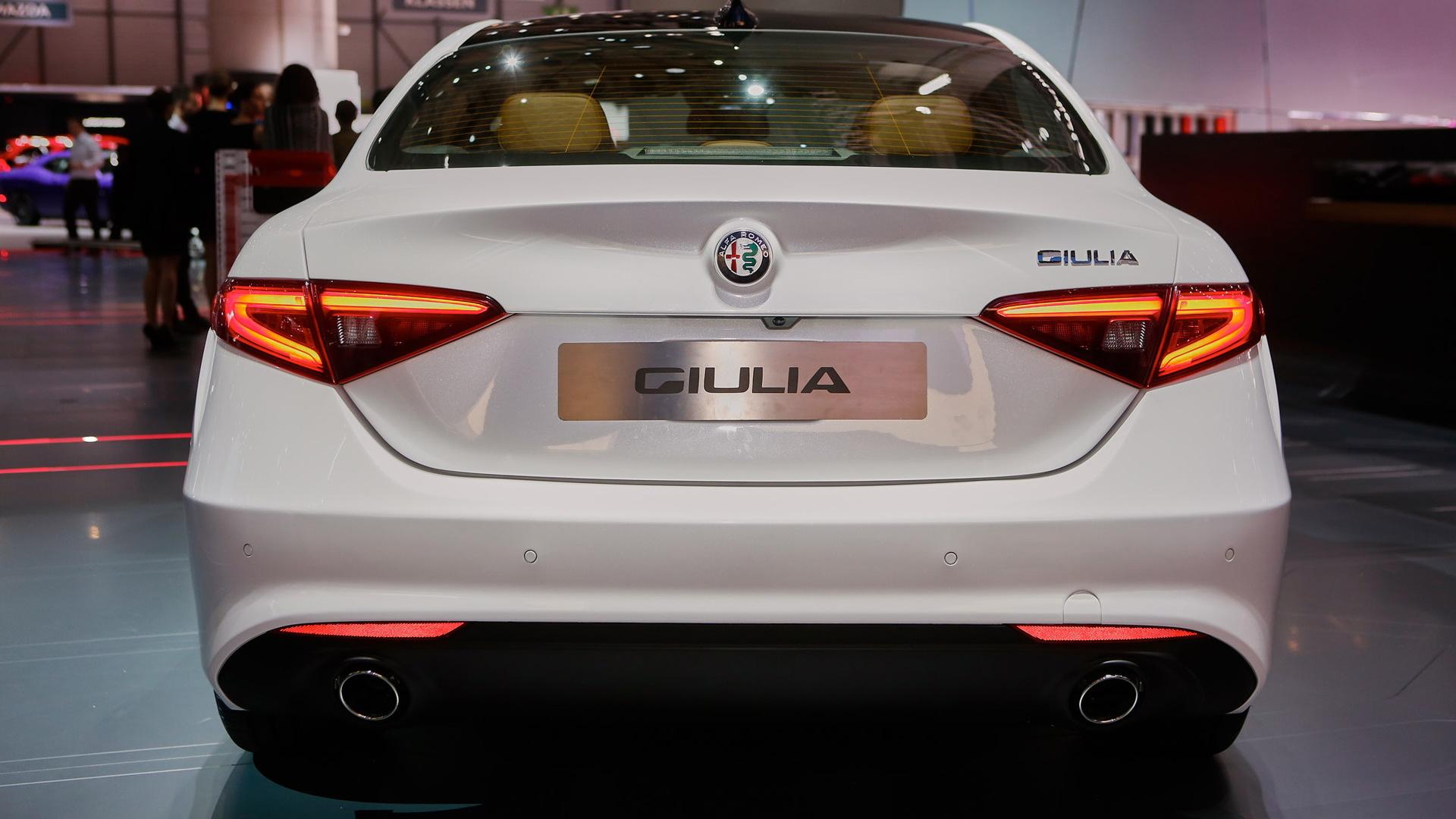 2017 Alfa Romeo Giulia's regular trim levels revealed in
