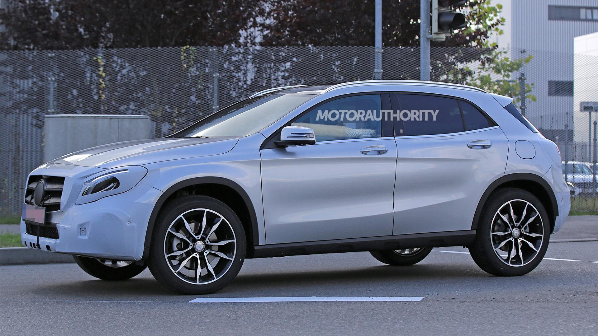 2018 Mercedes-Benz GLA facelift spy shots - Image via S. Baldauf/SB-Medien